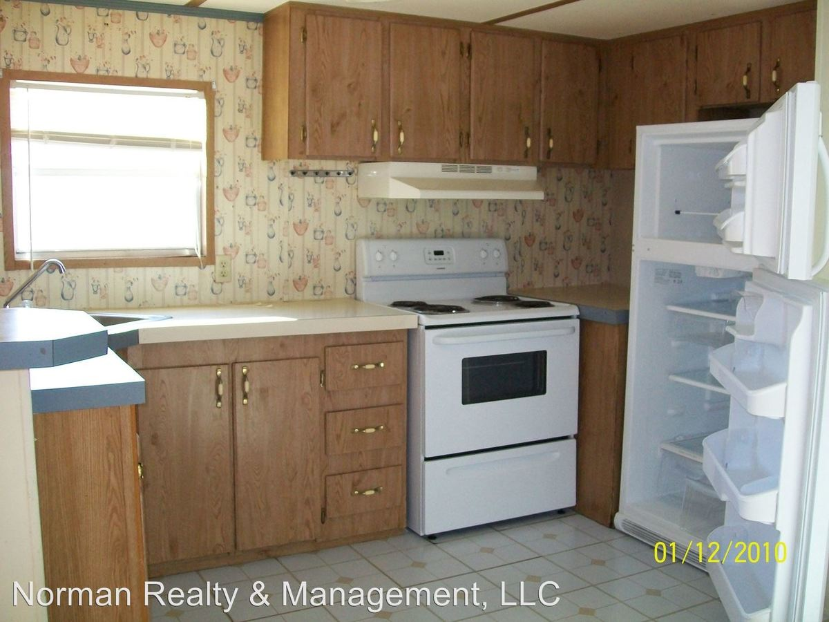 2 Bedrooms 1 Bathroom Apartment for rent at 944 Hollywood in Hinesville, GA