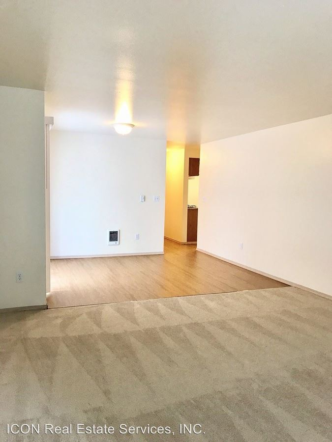 2 Bedrooms 2 Bathrooms Apartment for rent at 2021 Ne 90th Street in Seattle, WA