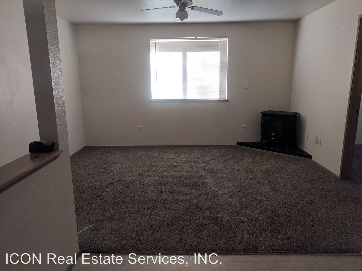 8819 Pacific Ave Tacoma Wa Apartment For Rent