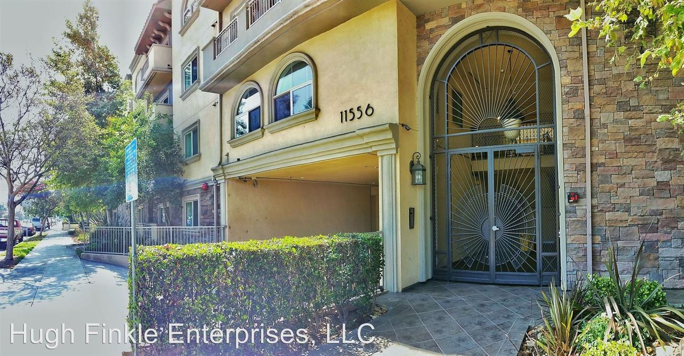 2 Bedrooms 1 Bathroom Apartment for rent at 11556 Burbank Blvd. in North Hollywood, CA