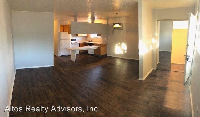 2 Bedrooms 1 Bathroom Apartment for rent at 593 W Crestline Ave in Littleton, CO