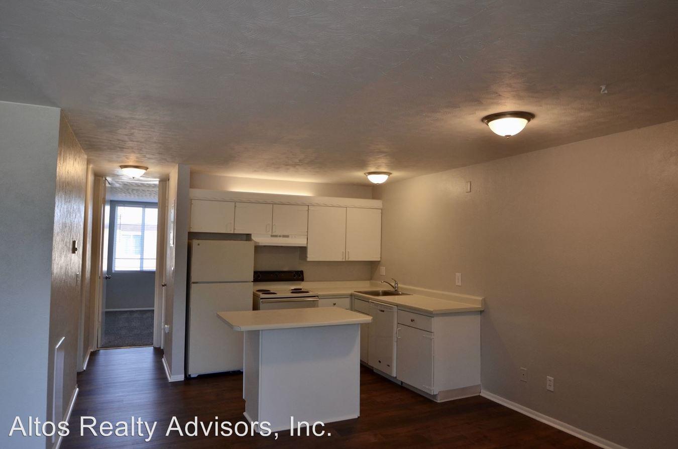 1 Bedroom 1 Bathroom Apartment for rent at 593 W Crestline Ave in Littleton, CO