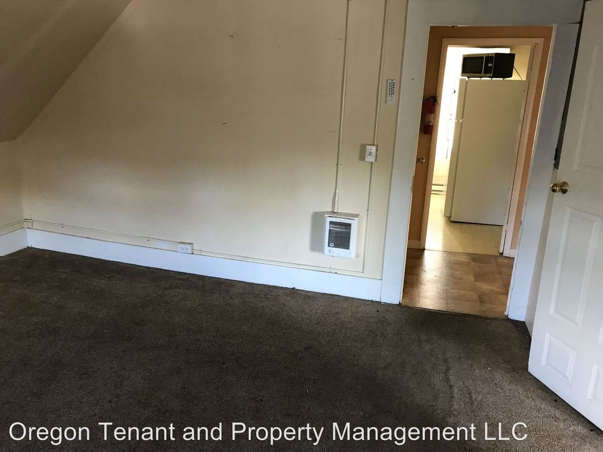 2 Bedrooms 1 Bathroom Apartment for rent at 1630 Patterson in Eugene, OR