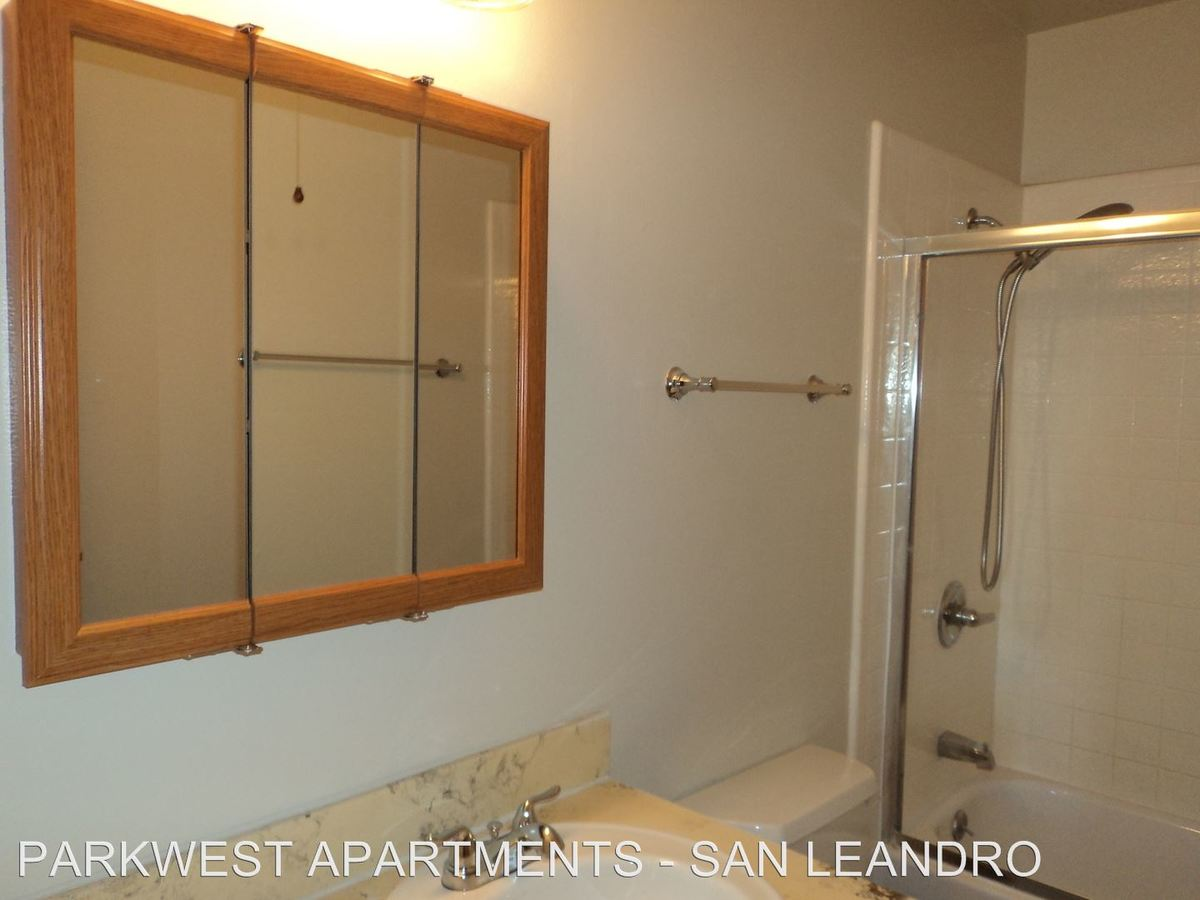 3 Bedrooms 1 Bathroom Apartment for rent at 14400 East 14th Street in San Leandro, CA