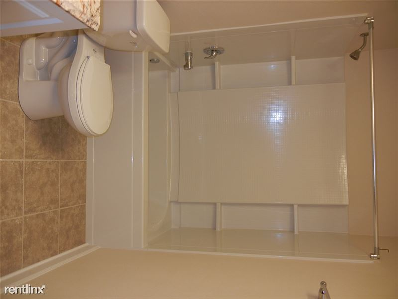 1 Bedroom 1 Bathroom Apartment for rent at Loomis Apartments in Greenfield, WI