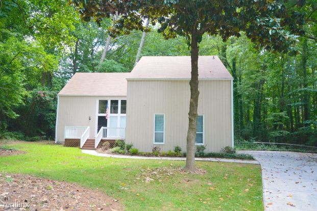3 Bedrooms 2 Bathrooms House for rent at 2965 Wayward Drive in Marietta, GA