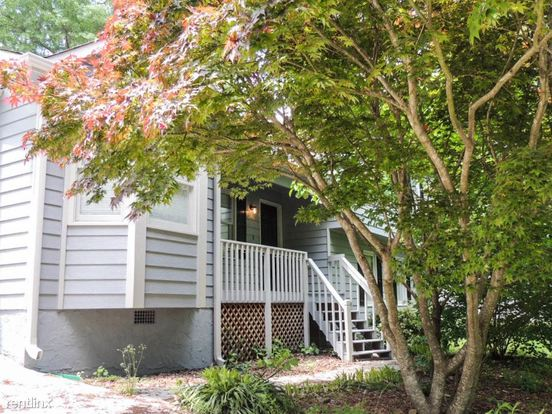 3 Bedrooms 3 Bathrooms House for rent at 828 Georgetowne Drive in Winder, GA