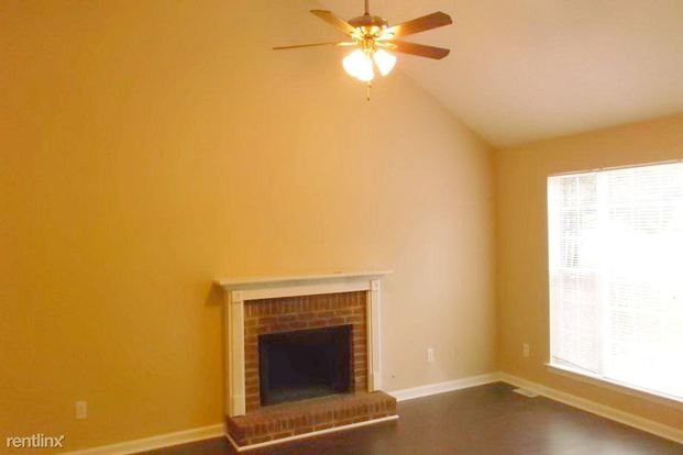 4 Bedrooms 2 Bathrooms House for rent at 4900 Tahoe Court in Winston, GA