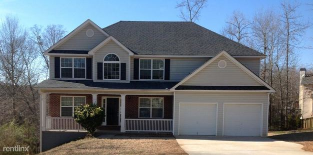 4 Bedrooms 3 Bathrooms House for rent at 346 Madison Avenue in Hampton, GA