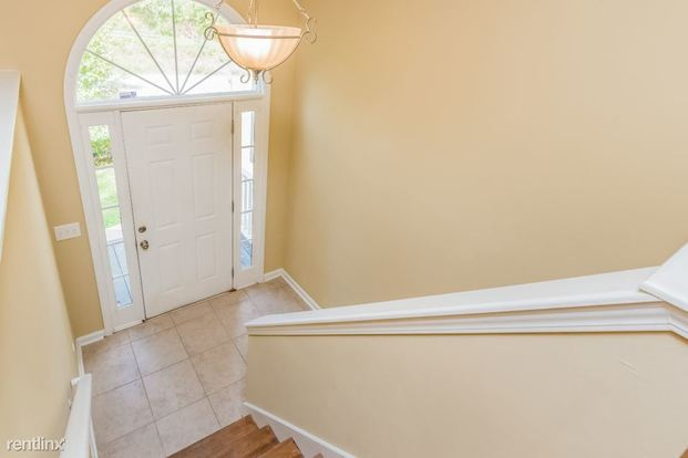 3 Bedrooms 2 Bathrooms House for rent at 6476 Victory Drive in Acworth, GA