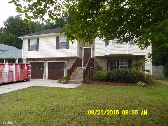 4 Bedrooms 3 Bathrooms House for rent at 5299 Mccarter Sta in Stone Mountain, GA