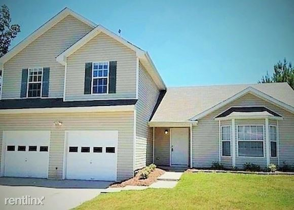 3 Bedrooms 2 Bathrooms House for rent at 5370 Wellborn Creek Drive in Lithonia, GA