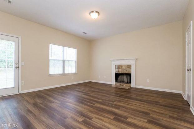 3 Bedrooms 2 Bathrooms House for rent at 2694 Ward Lake Court in Ellenwood, GA
