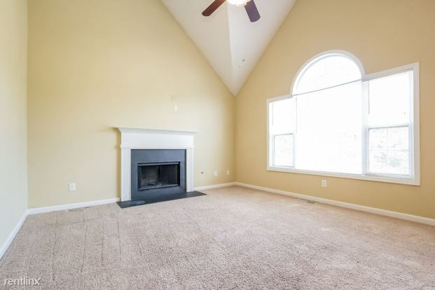 3 Bedrooms 2 Bathrooms House for rent at 5915 Seven Oaks Drive in Powder Springs, GA