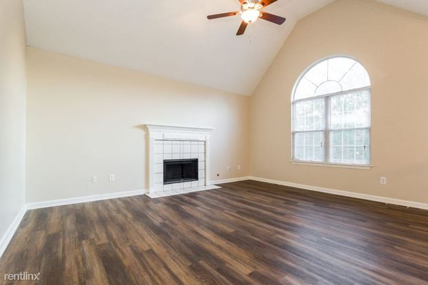3 Bedrooms 2 Bathrooms House for rent at 4618 Five Oaks Place in Powder Springs, GA