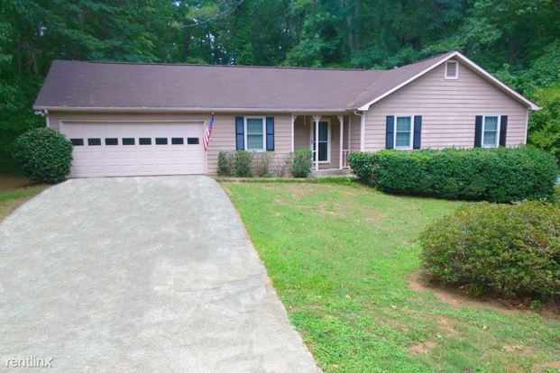 3 Bedrooms 2 Bathrooms House for rent at 1430 Hillside Place Se in Conyers, GA