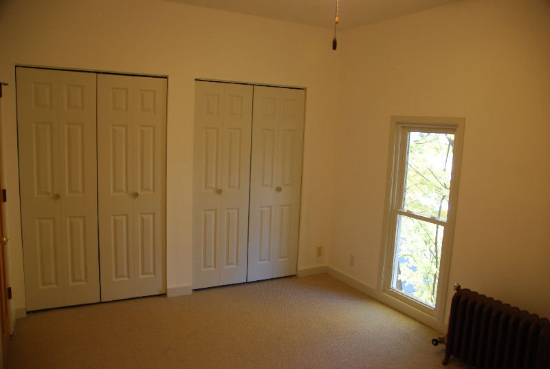 2 Bedrooms 1 Bathroom Apartment for rent at 2500 Aldrich Ave S in Minneapolis, MN