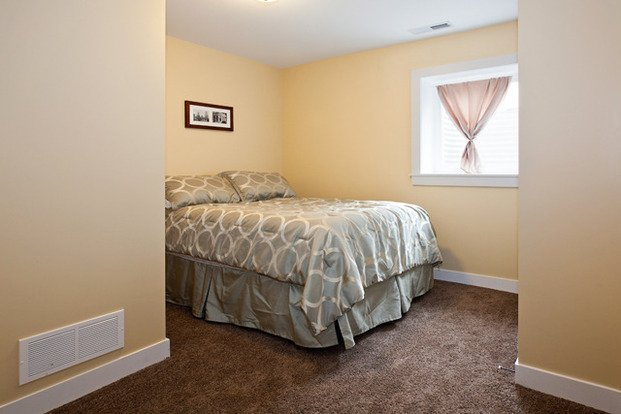 3 Bedrooms 2 Bathrooms House for rent at 1721 Rollins Ave SE in Minneapolis, MN