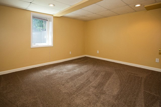 4 Bedrooms 2 Bathrooms House for rent at 1658 Blair Ave in St Paul, MN