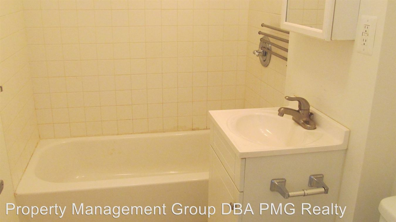 Studio 1 Bathroom Apartment for rent at 1314 Pine St in Phila, PA