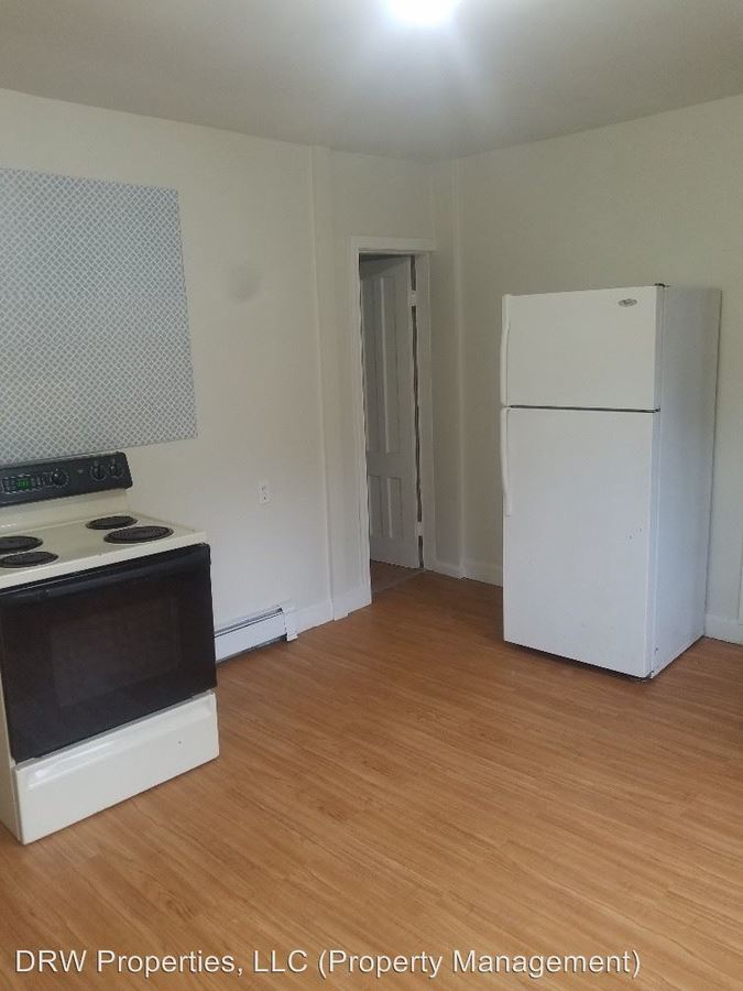 Awesome 18 20 Welton Street Waterbury Ct Apartment For Rent Beutiful Home Inspiration Xortanetmahrainfo