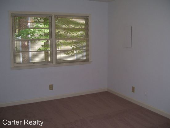 2 Bedrooms 1 Bathroom Apartment for rent at 1610 Glenwood Avenue in Raleigh, NC