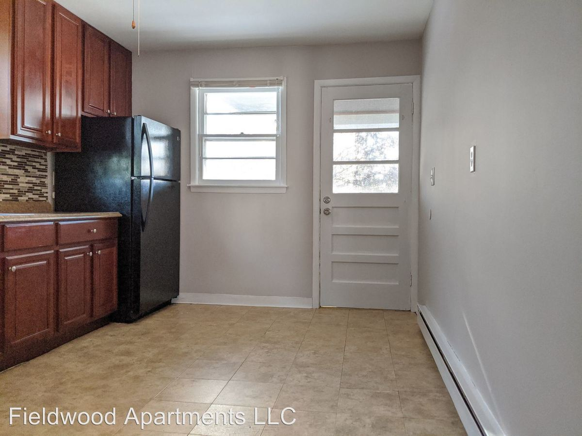 2 Bedrooms 1 Bathroom Apartment for rent at 248 Birchfield Drive in Waterbury, CT