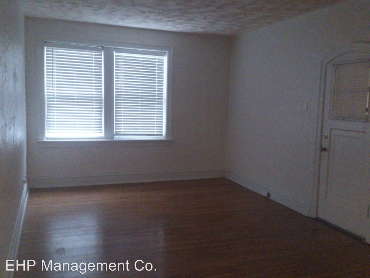 2 Bedrooms 1 Bathroom Apartment for rent at 7551 Byron Place 1n in Clayton, MO