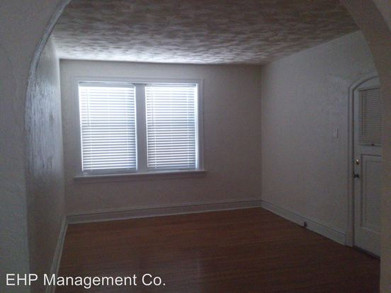 2 Bedrooms 1 Bathroom Apartment for rent at 7551 Byron Place 1 N in Clayton, MO