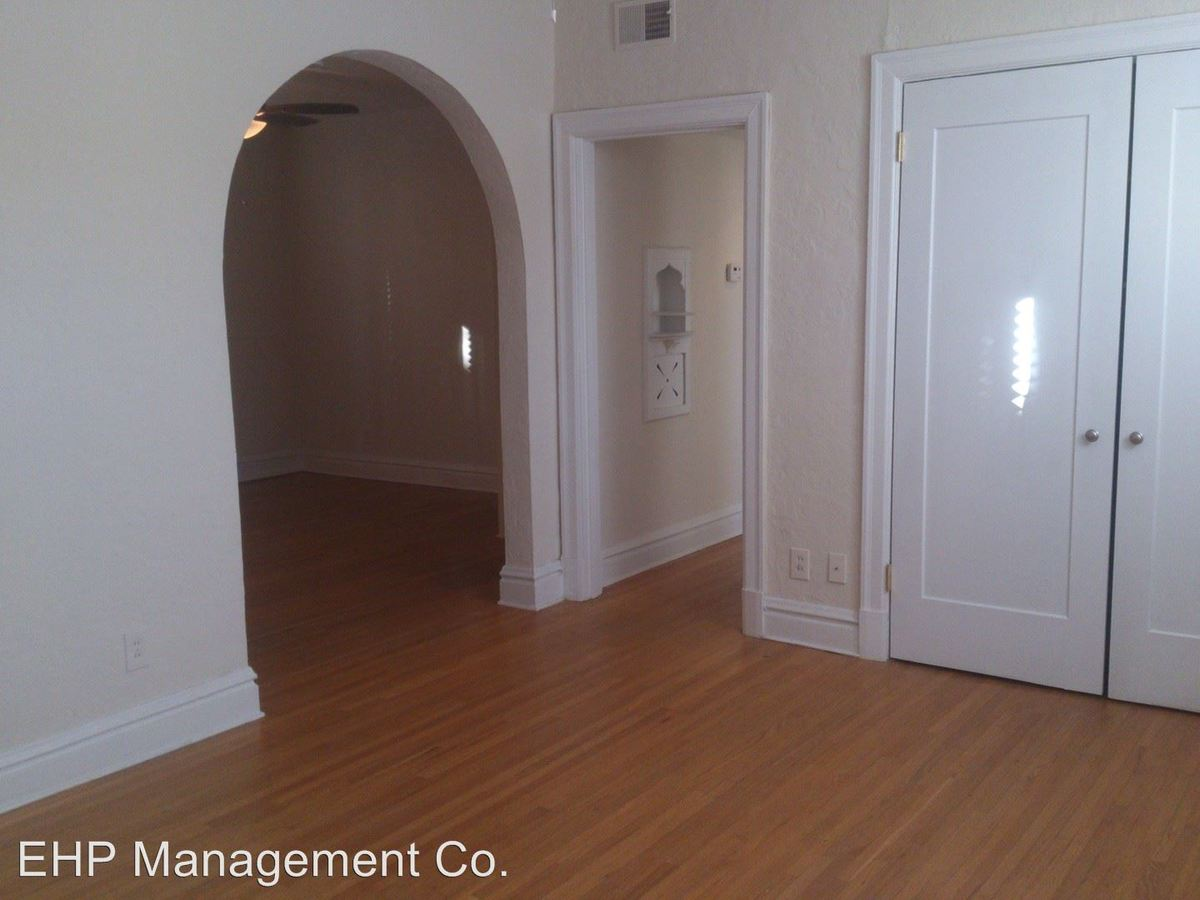 1 Bedroom 1 Bathroom Apartment for rent at 7551 Byron Place 1n in Clayton, MO