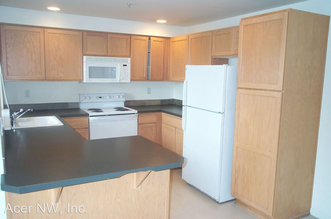 2 Bedrooms 2 Bathrooms Apartment for rent at 528 3rd Ave W #101-404 in Seattle, WA