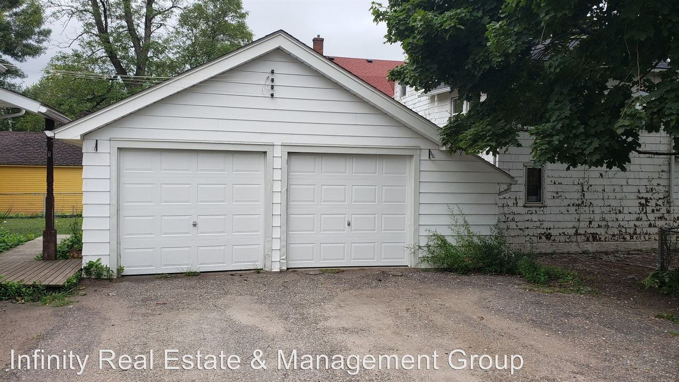 1 Bedroom 1 Bathroom Apartment for rent at 109 5th St Nw in Austin, MN