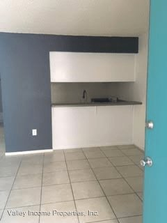 1 Bedroom 1 Bathroom Apartment for rent at 2735 E Thomas Rd in Phoenix, AZ