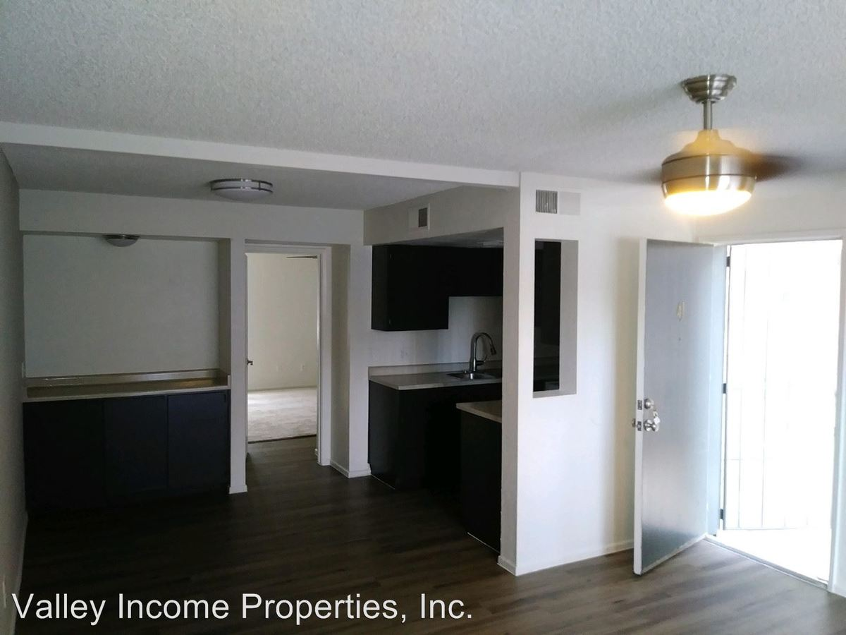 2 Bedrooms 1 Bathroom Apartment for rent at 7141 N 19th Ave in Phoenix, AZ