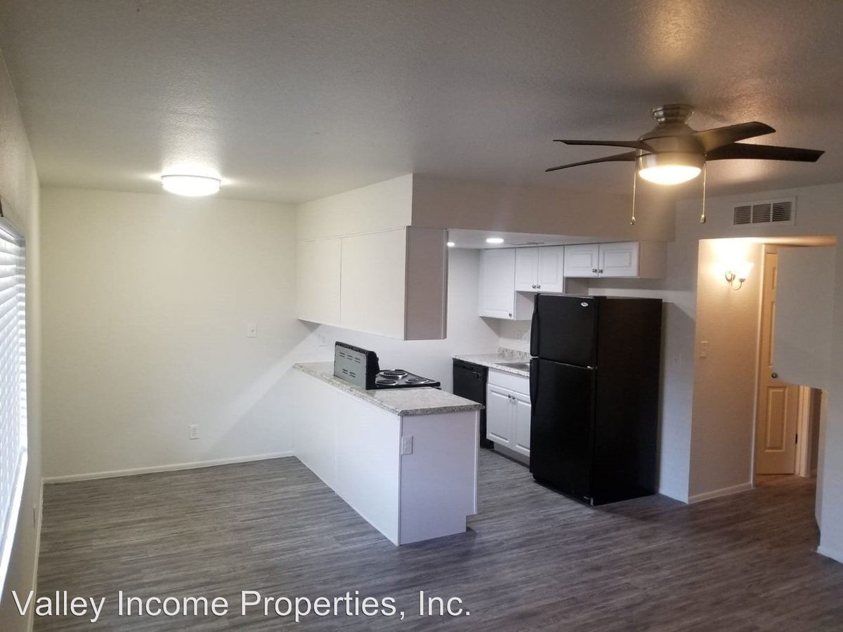 2 Bedrooms 1 Bathroom Apartment for rent at 16625 N 31st St in Phoenix, AZ