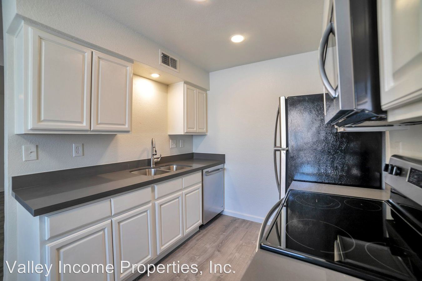 2 Bedrooms 1 Bathroom Apartment for rent at 4318 N 13th Place in Phoenix, AZ