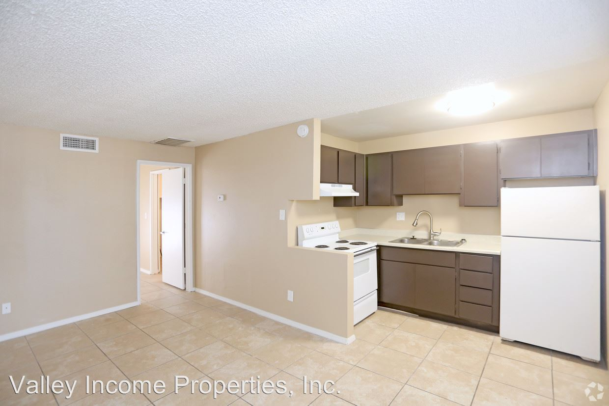 Studio 1 Bathroom Apartment for rent at 5902 W Royal Palm Rd in Glendale, AZ