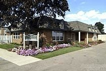 2 Bedrooms 1 Bathroom Apartment for rent at 1934 Axtell Rd in Troy, MI