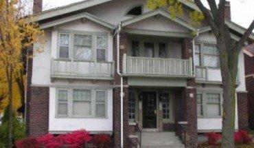 Similar Apartment at 1802 E Linnwood