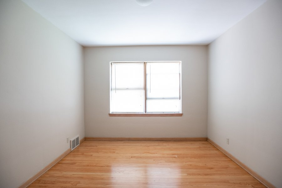 2 Bedrooms 1 Bathroom Apartment for rent at 1333 E. Colorado in Milwaukee, WI