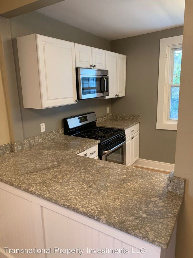 3 Bedrooms 1 Bathroom Apartment for rent at 1330 Brockley Ave. in Lakewood, OH