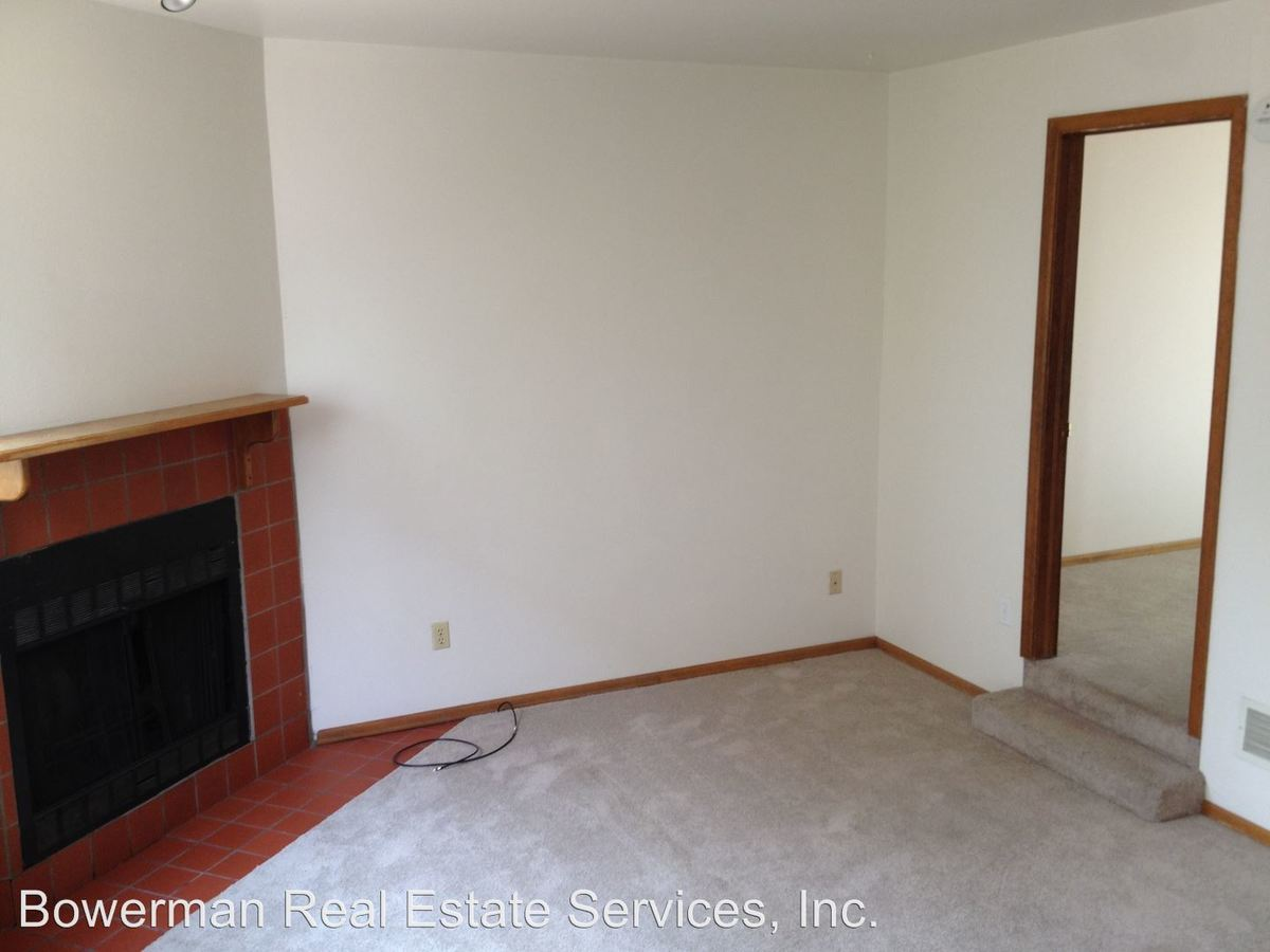 3 Bedrooms 1 Bathroom Apartment for rent at 2245 Goss Circle East in Boulder, CO