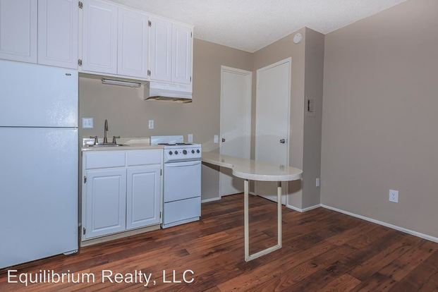 Studio 1 Bathroom Apartment for rent at 4250 East 29 Th Street 2020 S. Columbus Blvd in Tucson, AZ