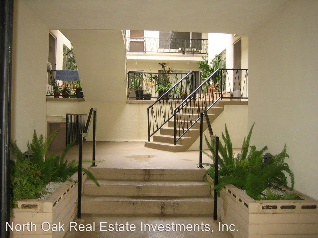 1 Bedroom 1 Bathroom Apartment for rent at 825 S. Windsor Blvd. in Los Angeles, CA