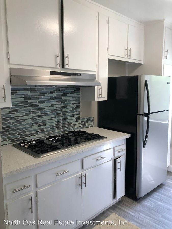 2 Bedrooms 2 Bathrooms Apartment for rent at 12015 Kling St. in Valley Village, CA