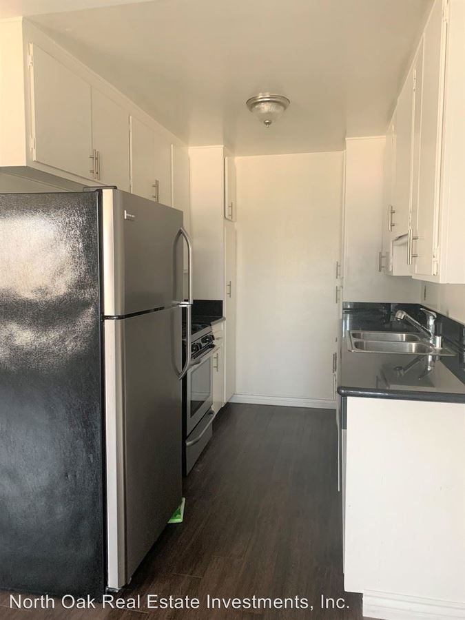 1 Bedroom 1 Bathroom Apartment for rent at 625 N. Sycamore Ave. in Los Angeles, CA