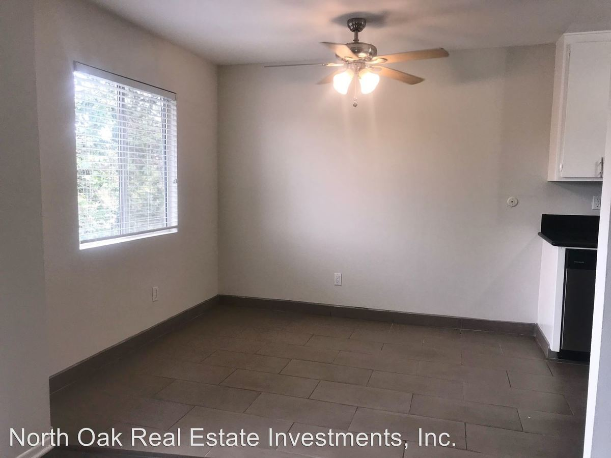 2 Bedrooms 2 Bathrooms Apartment for rent at 625 N. Sycamore Ave. in Los Angeles, CA