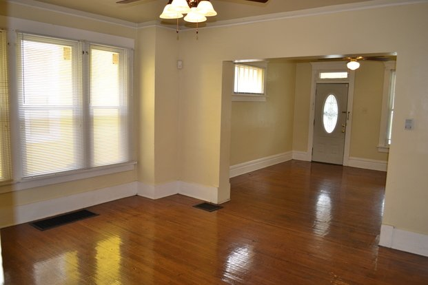 4 Bedrooms 2 Bathrooms House for rent at 1749 N 4th Street in Columbus, OH