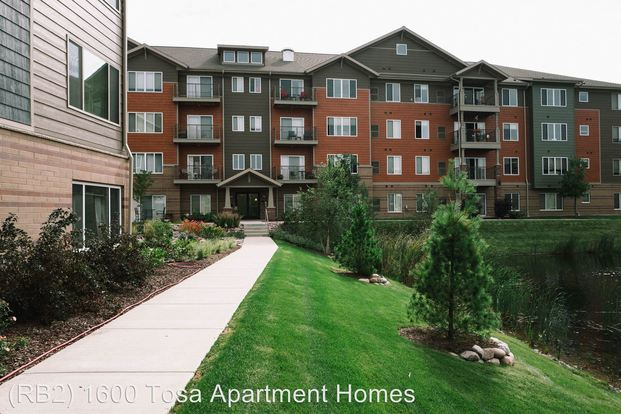 1 Bedroom 1 Bathroom Apartment for rent at 1550 Rivers Bend Ln in Wauwatosa, WI