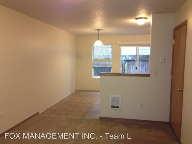2 Bedrooms 1 Bathroom Apartment for rent at 12008 Se Pine St. #1-8 in Portland, OR